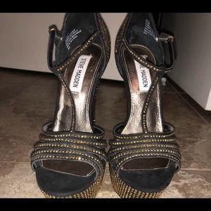 Steve Madden limited ed velvet gold and black heel